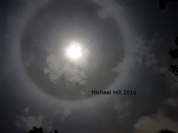 Cirrus cloud ring Moon over Brisbane May 2016